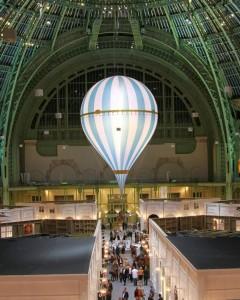Montgolfière éclairante au Grand Palais à Paris