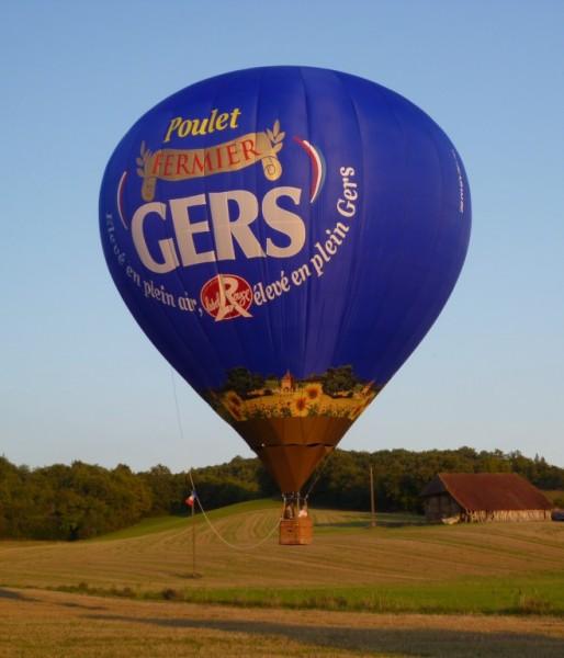 La montgolfière bleue des Poulets Fermiers du Gers