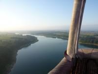 Le lac du Gabas vue de la nacelle de la montgolfière