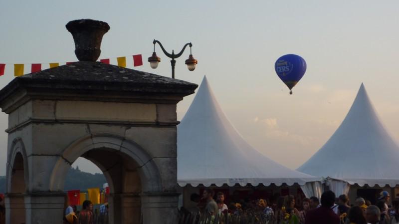 Survol d'Hestiv'Oc avec la montgolfière Poulet Fermier du Gers - Label Rouge